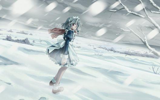 Обои Сакуя Изаеи / Sakuya Izayoi из игры Тохо / Проект Восток / Touhou Project идет по снегу