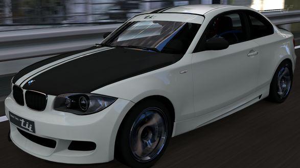 Обои Автомобиль BMW мчащийся по трассе R246