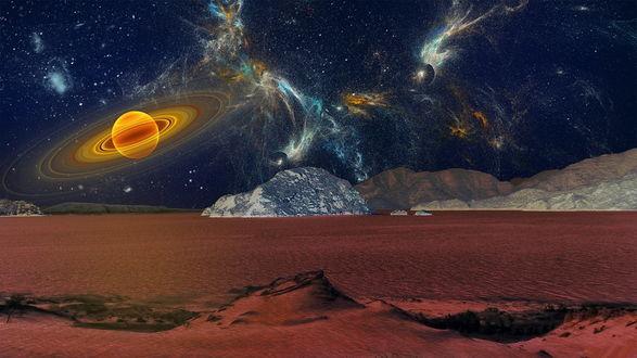 Обои Пустынная местность с немногочисленной растительностью, горами, покрытыми снегом на фоне звездного ночного неба, планет солнечной системы, одна из которых с кольцами вокруг нее, Млечного пути