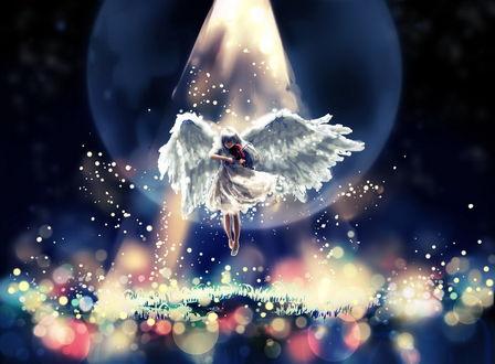 Обои Стройная девушка с ангельскими крыльями, играющая на скрипке, парит в воздухе в ярко светящемся луче света на фоне ночного неба и лунного диска, работа художника Chibionpu