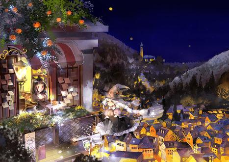Обои Ведьма на метле подлетает к балкону, где официантка подносит ей напиток и еду на тарелке, а над балконом на дереве висят светильники Джека / Jack Light в Halloween / Хэллоуин