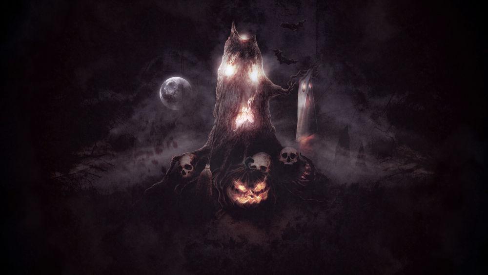 Обои для рабочего стола Старое дерево держит в руке-ветки привидение, у его корней стоит светильник Джека / Jack Light, помело и лежат черепа, в ночном небе парят летучие мыши и светит полная Луна