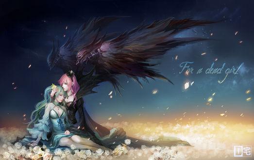 Обои Vocaloid / Вокалоид Мегурине Лука / Megurine Luka с демоническими крыльями за спиной обнимает спящую Хатсуне Мику / Hatsune Miku, сидя среди золотых роз на фоне ночного неба (For a dead girl / Для мертвой девочки)