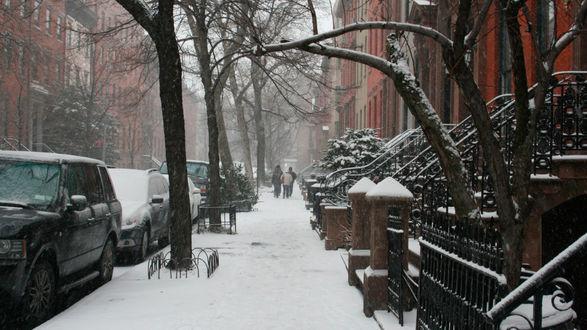 Обои Свежий выпавший снег на улице Wall street / Уолл-cтрит в городе New-york / Нью-йорк