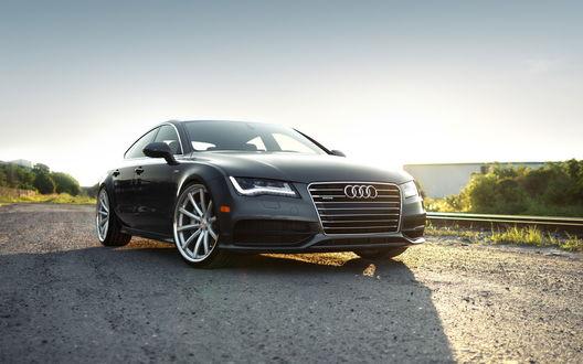 Обои Audi A7 / Ауди А7 черного цвета на фоне природы