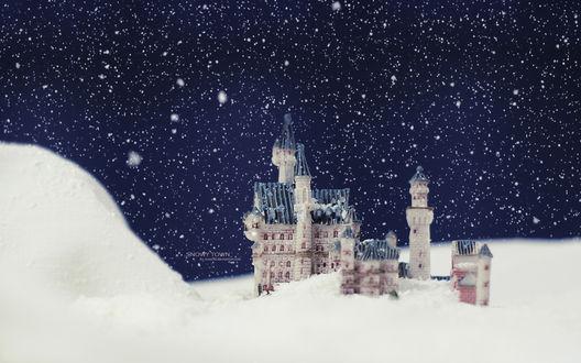 Обои Игрушечный замок в снегу, автор Evey90 (Snowy town / Снежный городок)