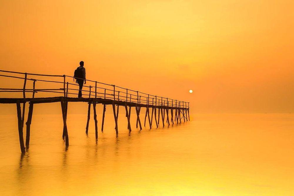 картинки на мосту человека
