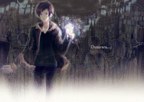 Обои Orihara Izaya / Орихара Изая из аниме Durarara / Дюрарара в очертаниях проходящих мимо него людей