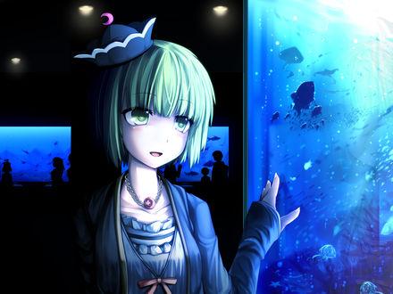 Обои Lunasa Prismriver / Лунаса Призмривер около аквариума из игры Touhou Project / Проект Восток