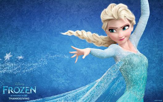 Обои Princess Elsa / Принцесса Эльза из мультфильма Frozen / Холодное сердце в голубом платье пускает снег из руки