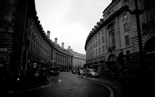 Обои Черно-белая извилистая улица Лондона / London, Англия / England