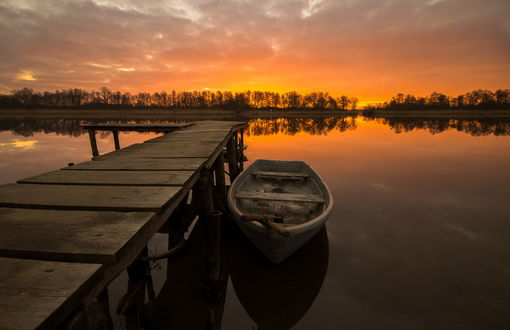 стихи о лодках на причале