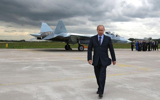 Обои Владимир Путин на аэродроме