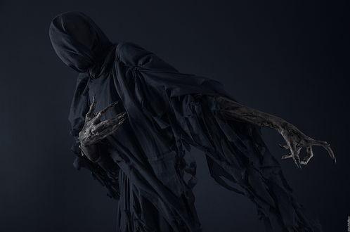 Обои Силуэт смерти в черном одеяние, автор Алексей