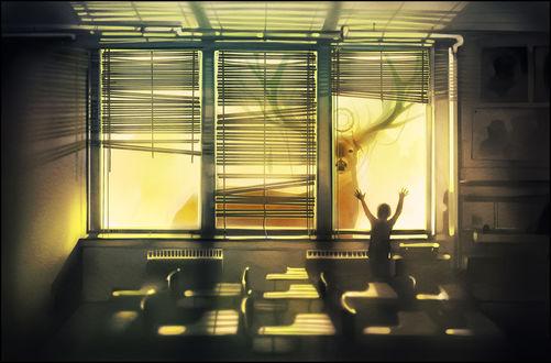 Обои Мальчик смотрит на оленя, который заглядывает в окно классной комнаты, подняв руки вверх