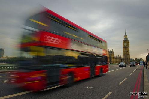 Обои Двухэтажный автобус, идущий по улицам Лондона, Англия / London, England, автор Григорий Беденко