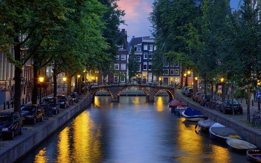 Обои Мост через речку в вечернем Амстердаме / Amsterdam, Netherlands / Нидерланды