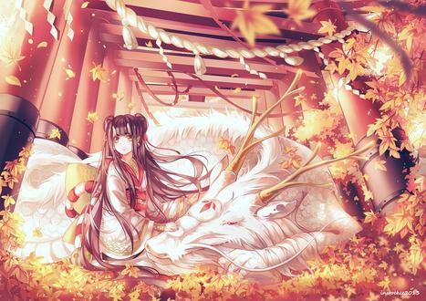 Обои Девушка-демон и белый дракон в опавших листьях