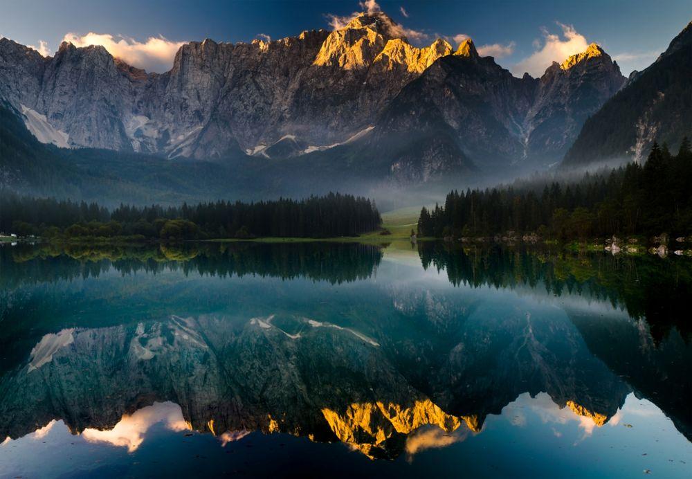 Обои для рабочего стола Горы и окружающая природа отражаются в водоеме, работа в зеркале, фотограф Mariuszbrcz