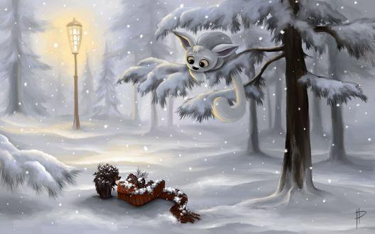 Обои Ежик, идущий по заснеженной дороге в лесу под падающим снегом, увидев лежащую с шишками коробку удивленно ее разглядывает, с ветки дерева за ним наблюдает необычный зверек с большими глазами и ушами