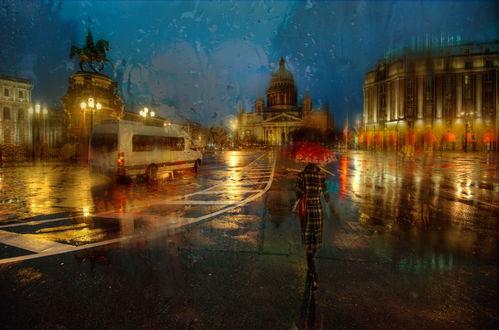 Обои Девушка, идущая по дождливой площади ночного Санкт-Петербурга, Россия / St. Petersburg, Russia, автор Эдуард Гордеев