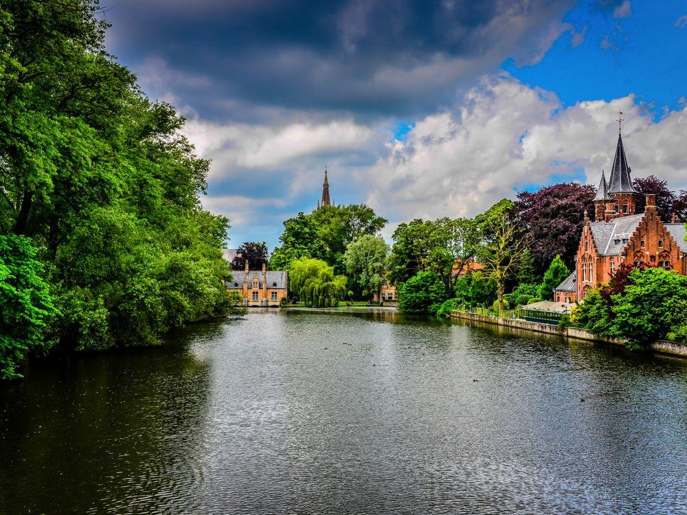 Обои для рабочего стола Живописный канал В Брюгге / Bruges, Belgium