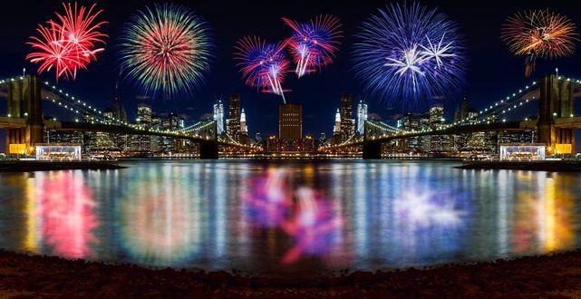 Обои Новогодние фейерверки в небе и их отражение на льду, работа Fringe NYC New Year Fireworks / новогодние фейерверки, ву Val Tourchin