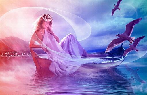 Обои Улыбающаяся девушка-нимфа с венком из цветов на голове, сидящая в лодке, плывущей по горному озеру в окружении морских чаек на фоне ослепительных солнечных лучей на пасмурном небосклоне, автор Lady Judina