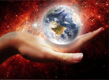 Обои Планета над рукой, by ah30