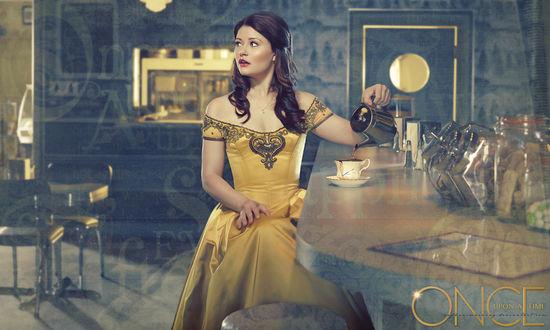 Обои Белль / Belle в исполнении Эмили де Рейвен / Emilie de Ravin наливает чай, сериал Однажды в сказке / Once Upon a Time
