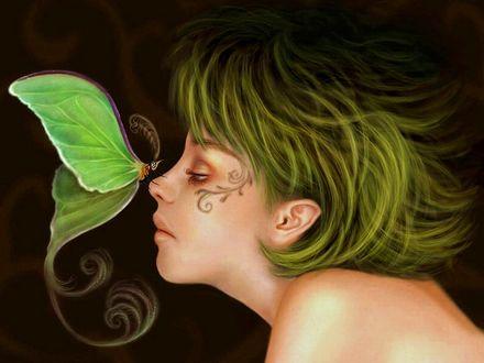 Обои Зеленая бабочка сидит на носу девушки с зелеными волосами и рисунком на лице