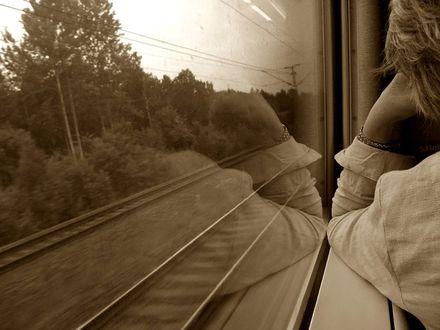 Обои Девушка у окна поезда, by Photopathica