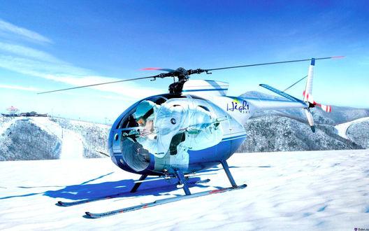 Обои Горнолыжный вертолет на белом снегу