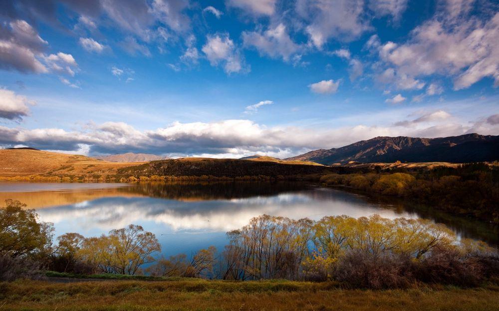 Обои для рабочего стола Хайес / Lake Hayes – небольшое озеро в Центральном Отаго, Южный Остров, Новая Зеландия / Central Otago, South Island, New Zealand