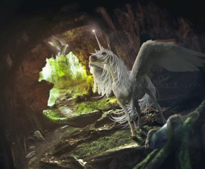 Обои Крылатый единорог и белый голубь в пещере