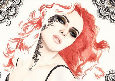 Обои Американская киноактриса Скарлетт Йоханссон / Scarlett Johanson с рыжими волосами и рисунком на лице склонила голову набок, by Silvia