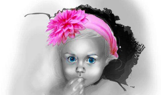 Обои Маленькая девочка с розовой повязкой с цветком на голове, с синими глазами, сунула пальчики руки себе в рот