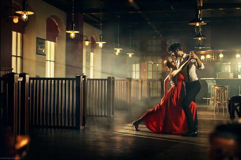 Обои Парень с девушкой в танце, фотограф Ярослав Мончак