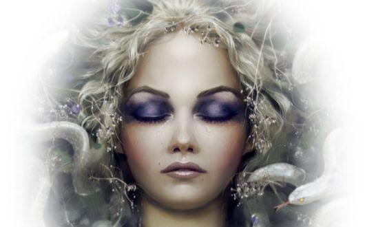 Обои Медуза Горгона с закрытыми глазами и змеями на голове