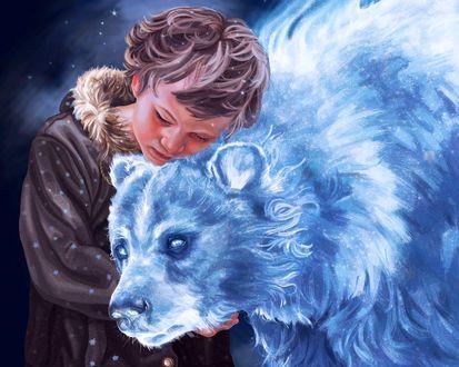 Обои Мальчик в зимней одежде с любовью прижался к медведю