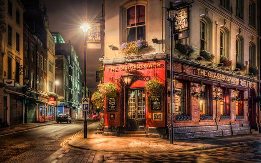 Обои Улица Лондона ночью, освещенная фонарями, Англия / England