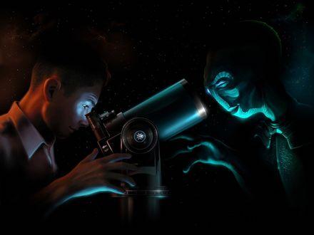 Обои Человек и инопланетянин наблюдают друг за другом, с разных сторон телескопа