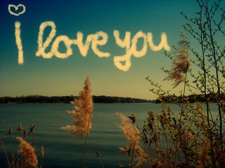 Обои На небе из облаков написано (I love you / я люблю тебя)