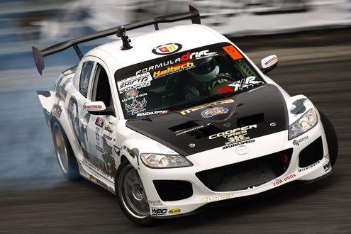 Обои Чемпионат Формула Дрифт (Мазда в заносе)