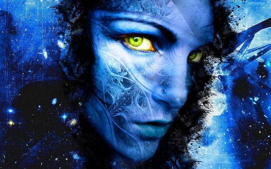 Обои Синее лицо девушки демона с рисунками, с желтыми глазами, на фоне синей абстракции