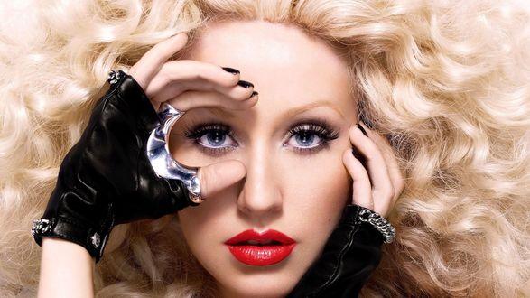 Обои Кристина Мария Агилера / Christina MarГa Aguilera/ — американская певица, автор песен, танцовщица, актриса, продюсер, телезвезда, филантроп, в черных перчатках