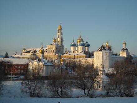 Обои Свято-Троицкая Сергиева Лавра зимой. Московская область. Россия