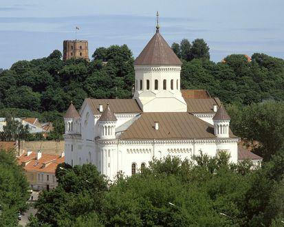 Обои Свято -Духов монастырь, Башня Гедиминеса в Вильнюсе, Литва