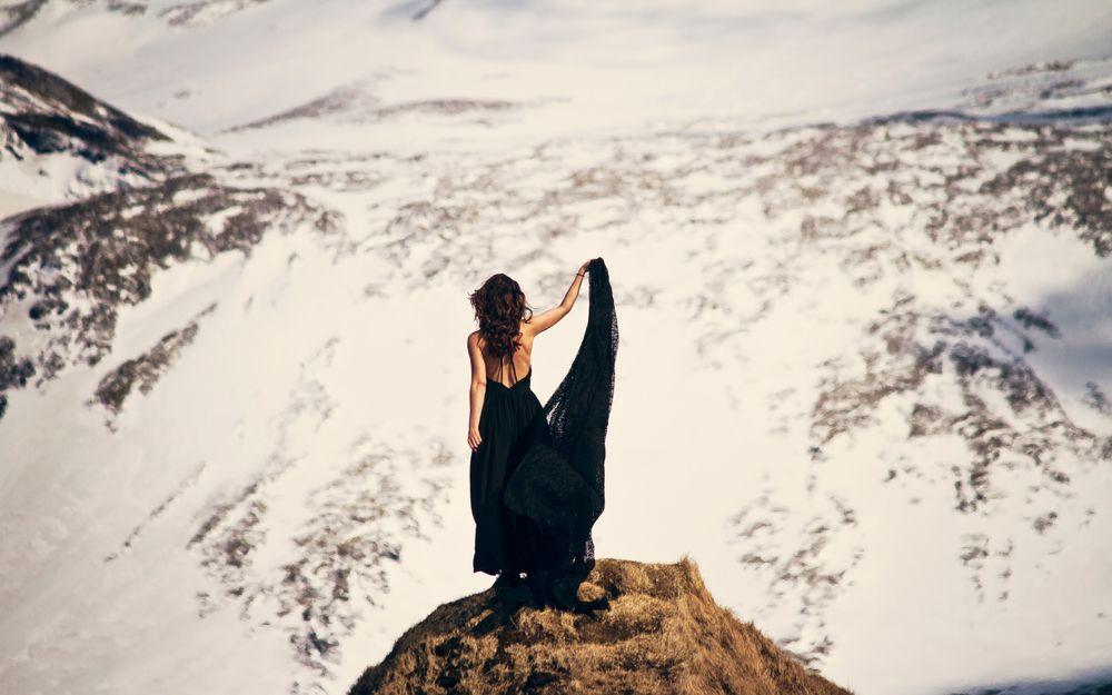 Девушка на вершине