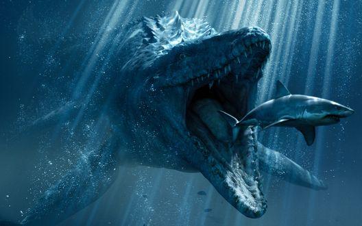 Обои Мир Юрского периода / Jurassic World, под водой динозавр с раскрытой пастью нападает на акулу, лучи солнца пробиваются сквозь толщу воды